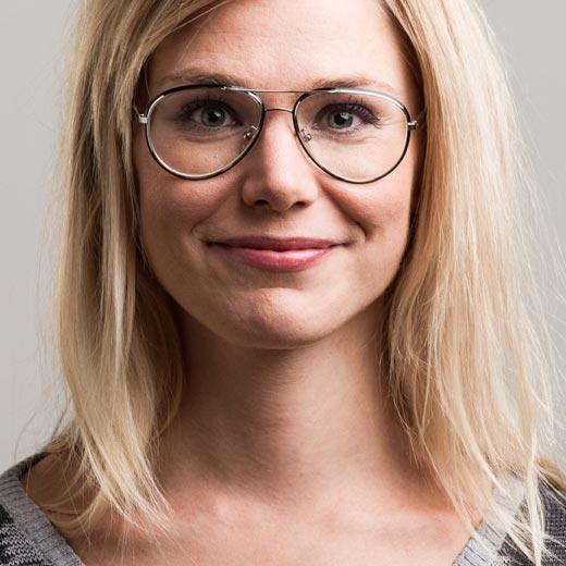 Eva Kela - Bakom Micken - juontaja, puhuja