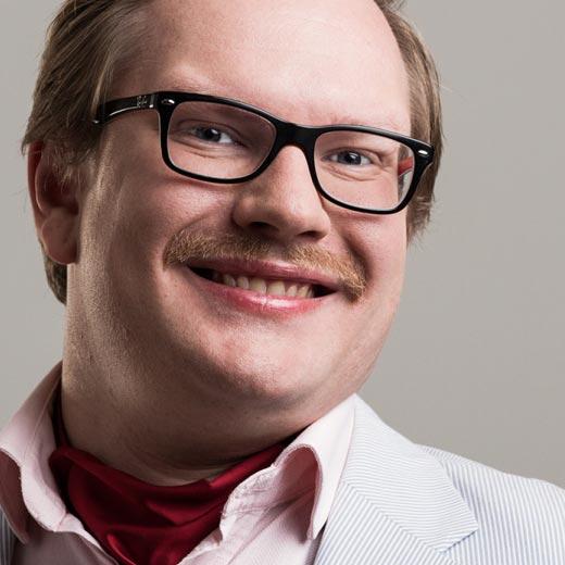 Ted Urho - Bakom Micken - juontaja